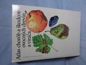 náhled knihy - Atlas chorôb a škodcov ovocných drevín a vinica