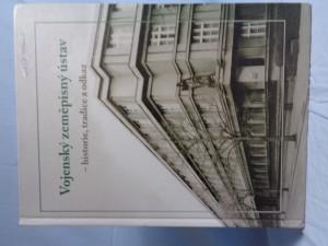 náhled knihy - Vojenský zeměpisný ústav: historie, tradice a odkaz : [1925-2004]