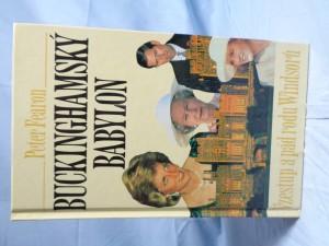 náhled knihy - Buckinghamský babylon : vzestup a pád rodu Windsorů