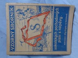 náhled knihy - Vzorný sborník: Sokolských pochodových písní s nápěvy
