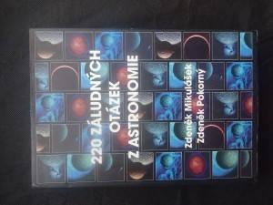 náhled knihy - 220 záludných otázek z astronomie