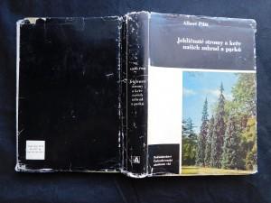 náhled knihy - Jehličnaté stromy a keře našich zahrad a parků