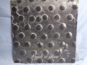 náhled knihy - Joan Baezová – Vyjdi Ze Stínu