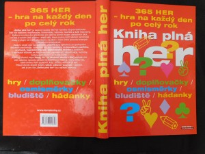 náhled knihy - Kniha plná her : [365 her - hra na každý den po celý rok : hry, doplňovačky, osmisměrky, bludiště, hádanky]