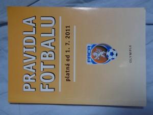 náhled knihy - Pravidla fotbalu platná od 1. 7. 2011