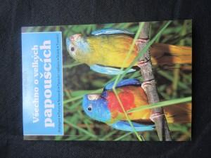 náhled knihy - všechno o velkých papoušcích