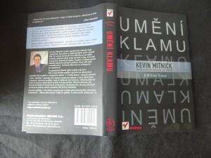 náhled knihy - Umění klamu : nejslavnější hacker na světě