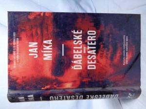 náhled knihy - Ďábelské Desatero: román