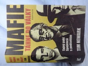 náhled knihy - Mafie táhne do války: tajný pakt Spojenců s podsvětím