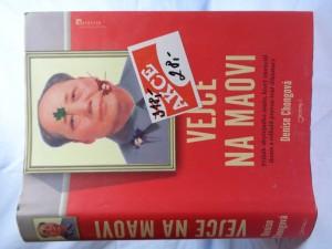 náhled knihy - Vejce na Maovi: příběh obyčejného muže, který zneuctil ikonu a odhalil pravou tvář diktatury