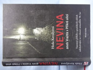 náhled knihy - Nevina, aneb, Vražda v Příkré ulici: tajemný příběh z pražských uliček odehrávající se v dusné atmosféře 50. let