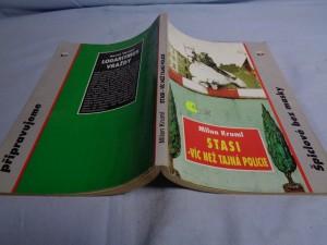 náhled knihy - STASI - víc než tajná policie: špiclové bez masky