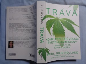 náhled knihy - Tráva: kompletní průvodce světem marihuany v medicíně, vědě, kultuře a politice