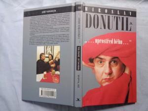 náhled knihy - Miroslav Donutil: uprostřed běhu