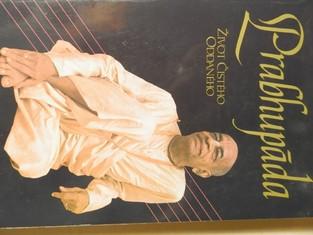 náhled knihy - Prabhupáda : Skutečný příběh o duchovním učiteli, který postavil chrám, ve kterém může žít celý svět