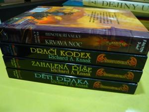 náhled knihy - Minotauří války: Krvavá noc, Dračí kodex, Zahalená říše, Děti draka