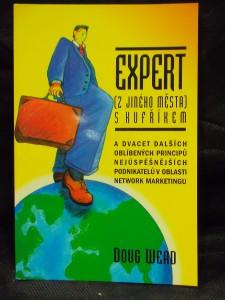 náhled knihy - Expert (z jiného města) s kufříkem