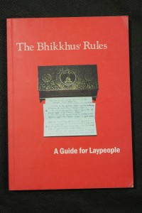 náhled knihy - The Bhikkhus´Rules : A Guide for Laypeople, The Theravadin Buddhist Monk´s Rules