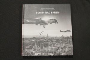 náhled knihy - Bomby nad Brnem : zpráva o leteckém bombardování města Brna v letech 1944 a 1945