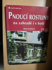 náhled knihy - Pnoucí rostliny na zahradě i v bytě