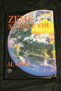 náhled knihy - Země na misce vah : ekologie a lidský duch