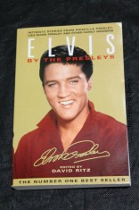 náhled knihy - Elvis by the Presleys. Intimate stories from Priscilla Presley, Lis Marie Presley and other family members.