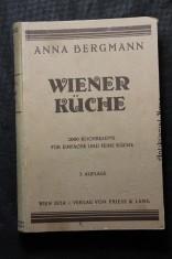 náhled knihy - Wiener Küche. Das beste praktische Kochbuch für sehr feine, sowie für einfache Küche, enthaltend gegen 2000 Kochrezepte und 40 Speisezettel