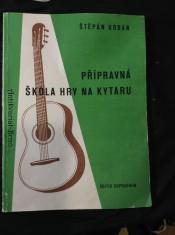 náhled knihy - Přípravná škola hry na kytaru Melodie : Akordy : Písně s doprovodem sólové kytar