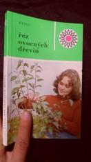 náhled knihy - Řez ovocných dřevin