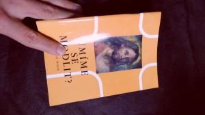 náhled knihy - Umíme se modlit? : Půl druhého sta otázek a odpovědí